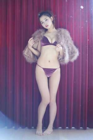 「S Cawaii!」専属モデルの杉本美穂、週プレのグラビアに1年ぶり登場