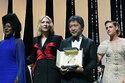 カンヌ映画祭閉幕!是枝監督がパルムドール受賞、社会で忘れられた人々に焦点当てる