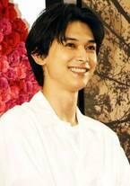 吉沢亮、好きなタイプは「あざとい人。目を見て話されるとグッとくる」