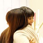 吉川ひなの、プロデュースする子ども服ブランドイベントでファンと触れ合いニッコリ