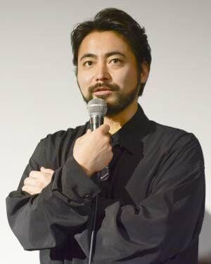 山田孝之、5年密着された監督を「まだ信用してないです」