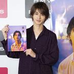 横浜流星、写真集5刷決定イベントで3000人のファンと握手!