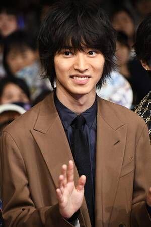 山崎賢人、人気声優・梶裕貴から「素敵でした」と言われ笑顔!