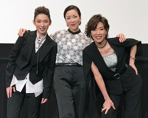 元宝塚男役スター、真矢ミキ、真琴つばさ、沙央くらま登壇に大歓声!