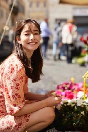 新木優子、2nd写真集「honey」新カット解禁!キュートな笑顔に釘づけ