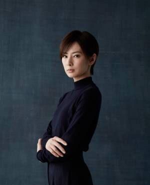 北川景子がデビュー後初のショートヘアに!「別人になれた気がします」