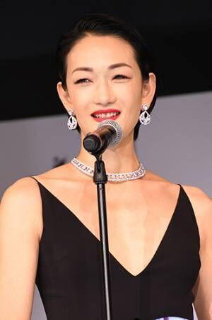 冨永愛、モデルとしての20年を振り返り「ちょっと泣けてくる」
