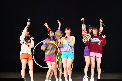 NMB48シングル「初恋至上主義」発売記念イベントで難波鉄砲隊其之八とだんさぶる!が対決
