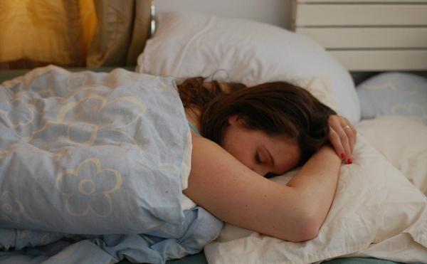 睡眠中の悲劇!夏に気をつけたい病気とは?