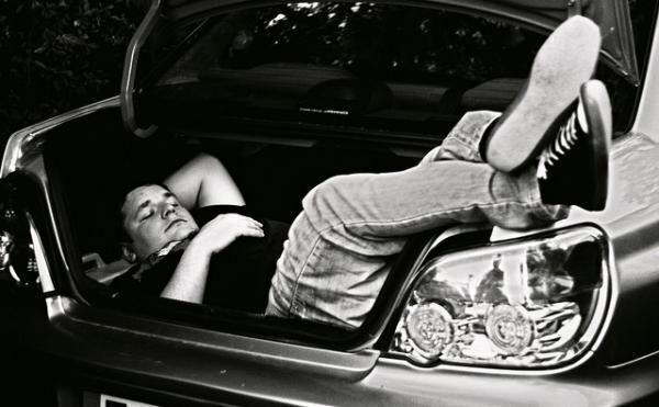 車中泊で不眠に苦しまないために、とるべき対策はコレだ!