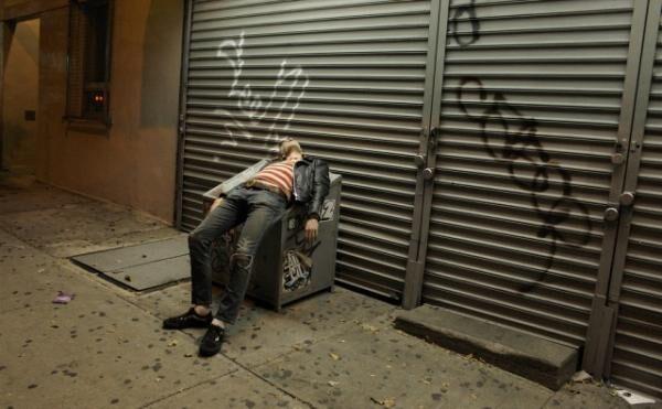 睡眠不足の状態は酔っ払いよりひどい?