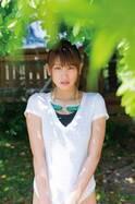 久松郁実、スポーツコスプレで健康日焼け肌見せる テニス、バレー、剣道…