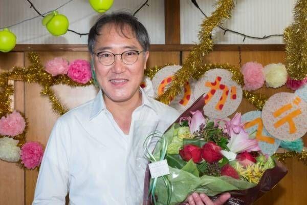 オトナの土ドラ「限界団地」寺内誠司役・佐野史郎クランクアップ (C)東海テレビ