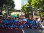 六本木・けやき坂でドラえもんみこしパレード 誕生日をひと足早くお祝い