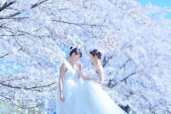 """女性2人の恋愛や友愛を表現した""""百合撮影""""が注目を集めている高橋みのりさん(@tkhsmnr108)"""