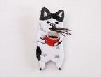"""コーヒー噴き出す猫?クセ強め""""動物刺繍""""に反響 、作者明かす """"ダジャレと技術""""の黄金比"""