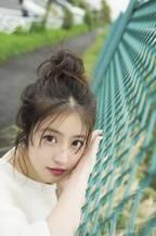 今田美桜『マガジン』初カバーモデルで輝く美脚&大人の魅力を披露