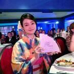 女優・小林涼子、ドイツの国際映像祭の授賞式で英語のスピーチ ヒロインを務めた宮城県豊里町発の地方再生映画『ひとりじゃない』が銀賞受賞