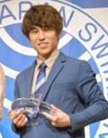 中尾明慶、妻のアシストでベストスイマー受賞も「水泳嫌いなのかもしれない」