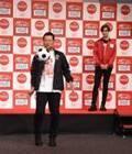 桑田真澄氏、リフティングを人生初体験 息子・Mattと「3年ぶり」イベント共演で