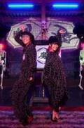"""小林よしひさ&上原りさ、NHKドラマで""""魔界""""のおにいさん&おねえさんに"""