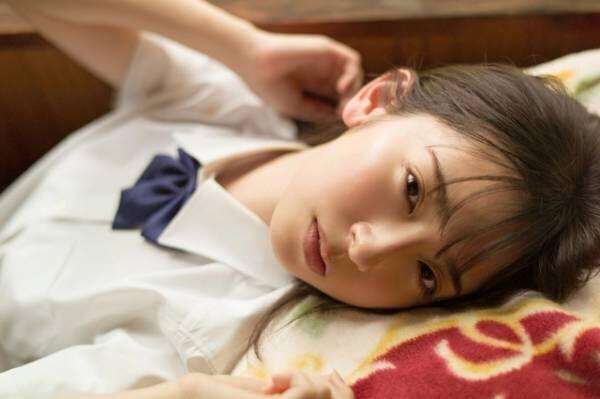 美少女制服グラビア本『B.L.T. SUMMER CANDY 2020』表紙を飾る日向坂46・金村美玖