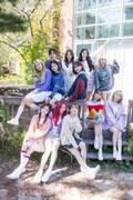 "IZ*ONE、日本初オリジナル写真集は""宝石箱"" 特別グッズ多数の特装ボックス仕様"