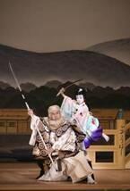 海老蔵、ぼたん&勸玄と親子共演 立ち廻りに観客喝采