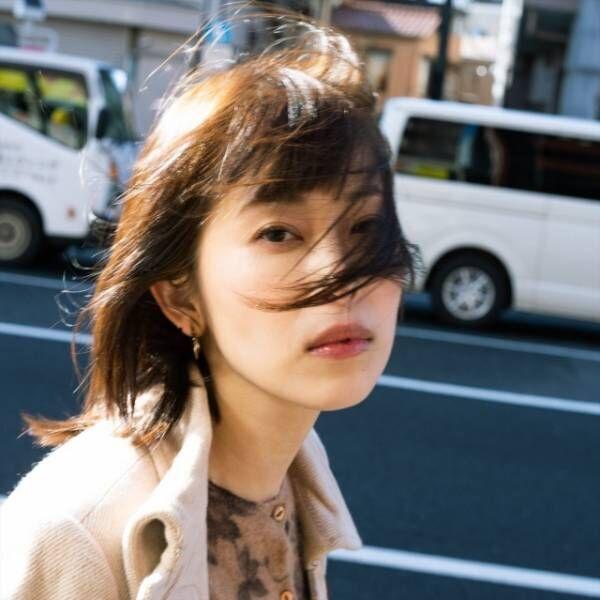 現在は写真家・美術家として活動している大塚咲