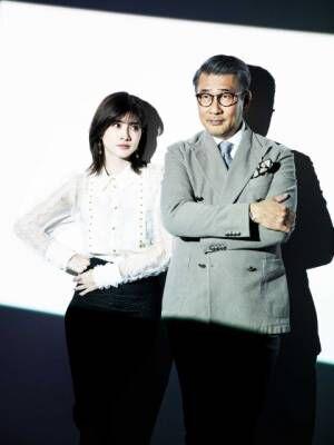 WOWOW『連続ドラマW 華麗なる一族』(4月18日スタート)主演の中井貴一(右)、内田有紀