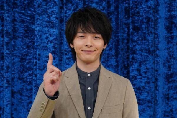 18日放送『一撃解明バラエティ ひと目でわかる!!』でMCを務める中村倫也 (C)日本テレビ