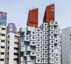 老朽化による解体危機…奇抜な建物以上に独特な生活スタイルがやみつきに 昭和の珍建築・中銀カプセルタワーが50年愛された理由