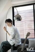 "Kis-My-Ft2・宮田俊哉の""ハッピースマイル""の秘訣「ギターを弾きながら歌うのが好き!」"