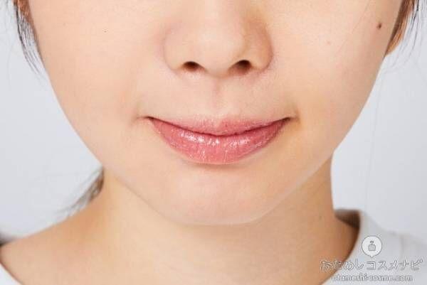 『ジルスチュアート15thアニバーサリーリップグロス』「01 pink brilliance」を塗った唇
