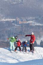 キッズのスキーデビューは北海道で! 親子でクラブメッド
