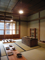 昭和な路地裏に器と道具のお店、「暮らし用品」がオープン