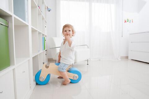 子ども向け足蹴り乗用玩具「glodos ビットバイク」がグッドデザイン賞を受賞