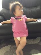 【おもしろベビー画像】ジブリ映画を初鑑賞する赤ちゃんの貫禄ある姿にあぜん
