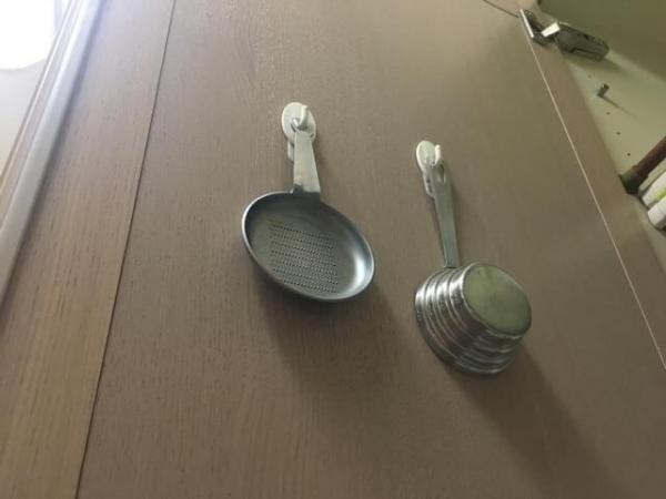 死角を活用! 狭いキッチン収納の「困った」を解消する方法