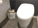 """狭い空間も広くなる? 100均アイテムを使った""""トイレ収納術""""3選"""