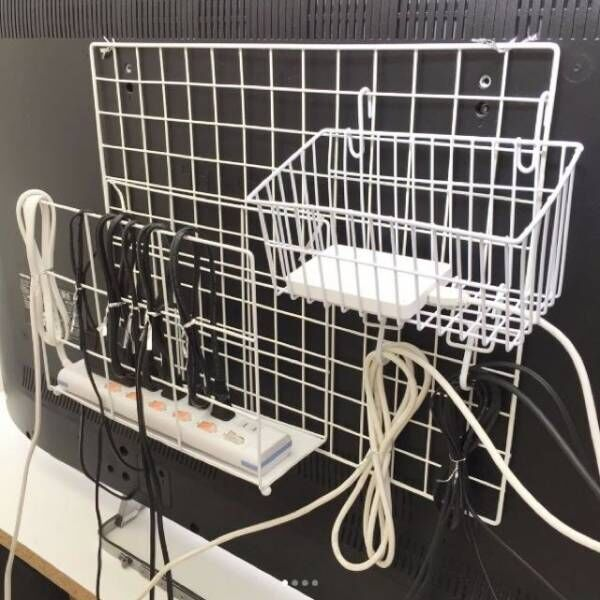 お掃除もラクラク! ごちゃつく配線コードを上手に隠すアイデア3選