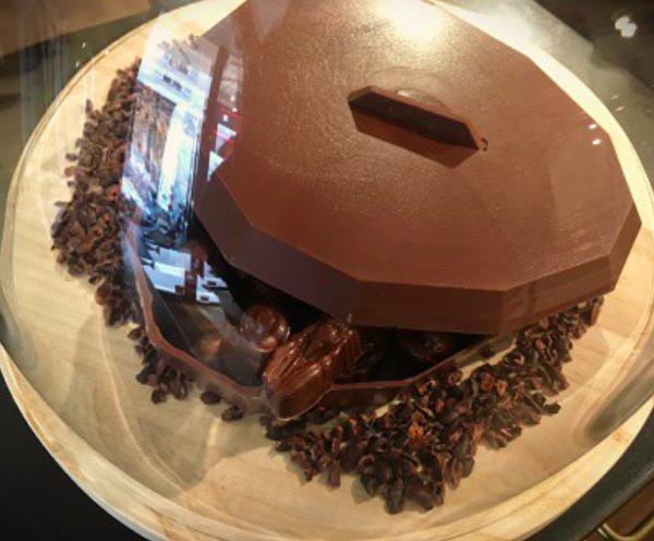 春の訪れを伝えるのは、チョコレート。【Nahoのおパリ文化回覧帳 vol.2】