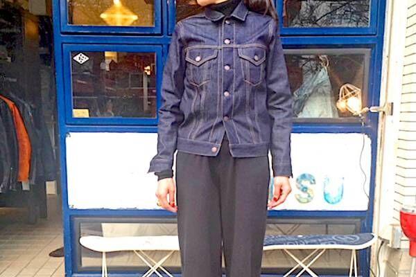 春を楽しくしてくれる、「濃紺デニムジャケット」3選