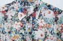 初夏に映えるフラワープリントとストライプ。『FWK by ENGINEERED GARMENTS』のドレスを日常に