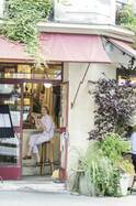 パリジェンヌの夏の相棒は、ボーイッシュなオーバーオール&コンビネゾン!