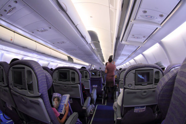 出張女子・タビジョ必見!飛行機の長距離移動は砂漠並みの乾燥、CAお墨付きの乾燥対策とは!?