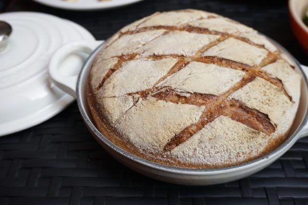ビールに合うパンが主役!メゾンカイザー×ル・クルーゼが魅せるカラフルなビアガーデン