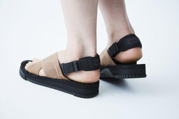 スポサンの新定番。大人の足元に似合う、南アフリカ発祥『SHAKA』のサンダル