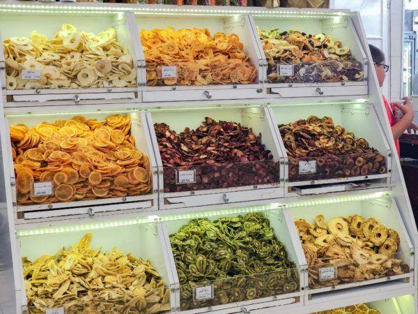 イラン土産のアレコレ。中東の風を感じるお土産をご紹介!〜食べ物編〜【イランとヒジャブとわたし vol.14】