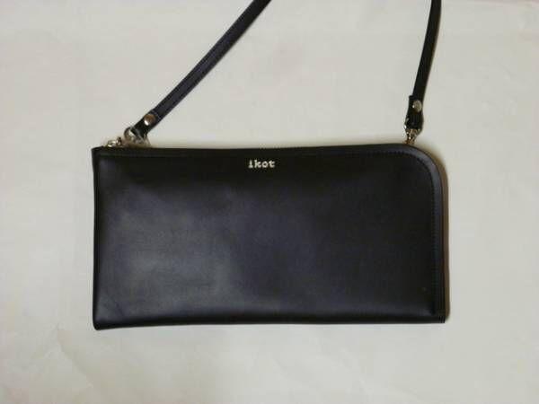 「デザイン性と便利さ」を両立!コンパクトな斜めがけミニバッグが超優秀!